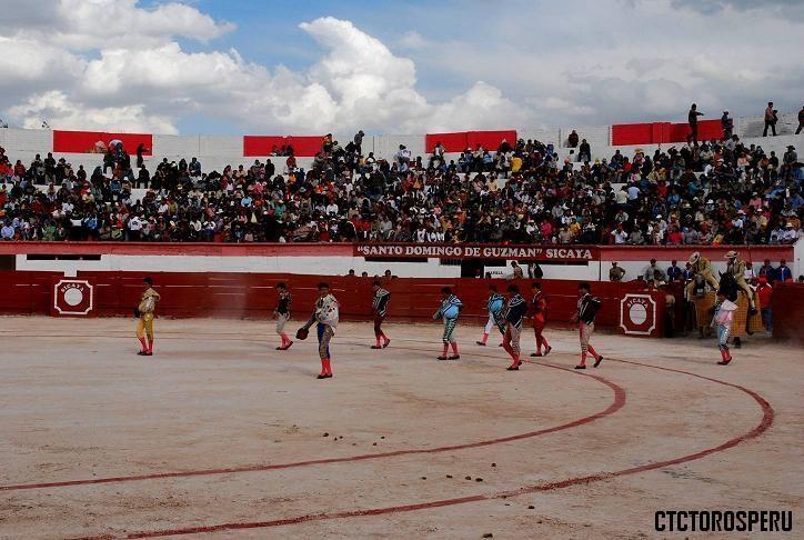 Plaza de toros Monumental de Sicaya - Huancayo - Junin
